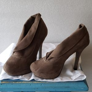 Mossimo brown suede heel boots